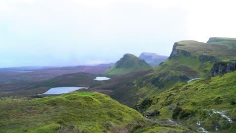 Die-Fairy-Pools-Auf-Der-Schottischen-Isle-Of-Skye-Sind-An-Einem-Bewölkten-Tag-Zu-Sehen