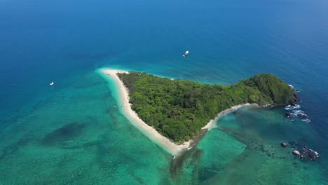 An-Aerial-View-Shows-The-Frankland-Islands-Off-Queensland-Australia