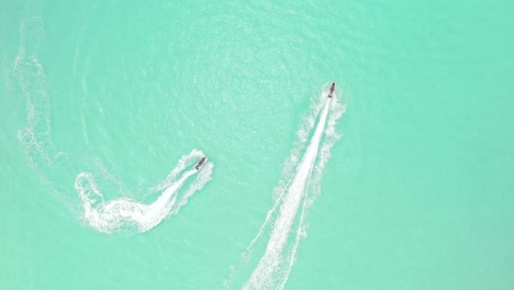 Tourists-Go-Jetskiing-In-Maldives-1
