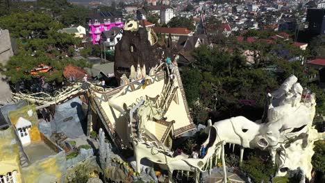 Tourists-Explore-The-Crazy-House-Of-Dalat-Vietnam