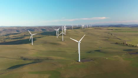 Una-Excelente-Vista-Aérea-Del-Parque-Eólico-Boco-Rock-En-Nueva-Gales-Del-Sur-Australia-2