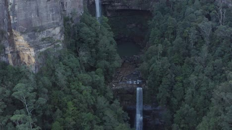 An-Excellent-Vista-Aérea-Closeup-Shot-Shows-Belmore-Falls-In-New-South-Wales-Australia