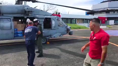 Las-Agencias-De-Ayuda-Estadounidenses-Entregan-Agua-Y-Suministros-De-Socorro-A-Las-Víctimas-Del-Huracán-María-En-Puerto-Rico-10