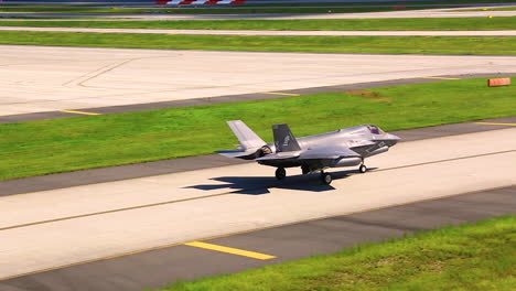 F35B-Lightning-Ii-Aircraft-Prepare-To-Take-Off-From-A-Runway-In-Japan-In-Response-To-A-North-Korea-Missile-Launch-1