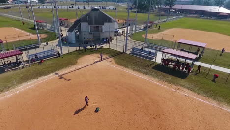 Vista-Aérea-Over-Batting-Practice-At-A-Local-Baseball-Or-Softball-Field