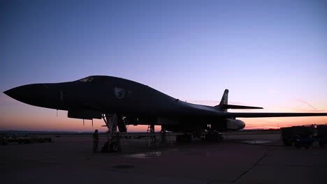 Time-Lapse-Of-A-B1-Bomber-On-The-Runway-At-Sunset