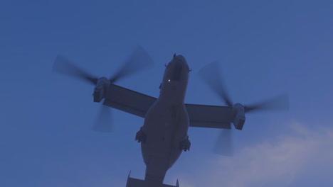 Un-Avión-águila-Pescadora-V22-Se-Eleva-En-Una-Nube-De-Polvo-Desde-El-Campo-De-Batalla-En-Afganistán-1