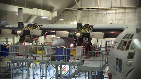 Time-Lapse-Of-C130-Hercules-Military-Avión-In-A-Hangar-For-Maintenance-4