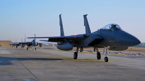 F15-Eagle-Jets-Taxi-On-A-Runway-At-Gwangju-Air-Base-South-Korea-In-Preparation-For-Escalating-Tensions-With-North-Korean-1