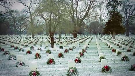 Un-Panorama-En-El-Cementerio-Nacional-De-Arlington-Muestra-Cada-Tumba-Con-Una-Corona-De-Flores-En-Invierno
