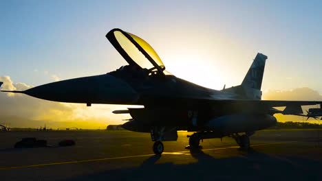 Timelapse-Photography-Shows-Us-Airmen-Working-On-An-Aircraft-At-Pearl-Harbor