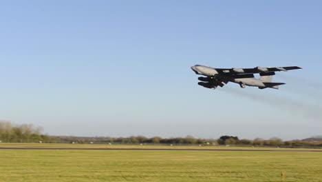 Un-B52-Stratofortress-Despega-De-Raf-Fairford