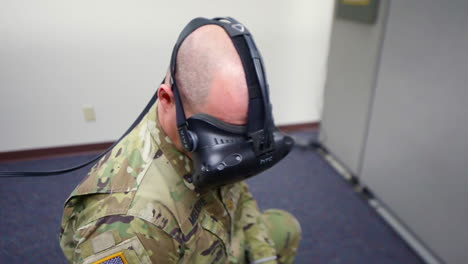 A-Soldier-Uses-Virtual-Reality-Equipment-For-Training