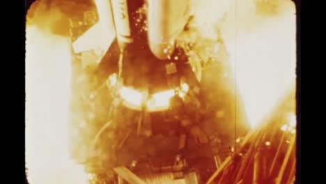 Cerca-Del-Motor-De-Los-Cohetes-Apolo-7-Cuando-Comienza-A-Despegar-1968