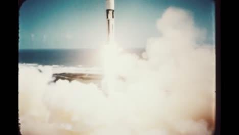 El-Cohete-Apolo-7-Asciende-De-La-Atmósfera-Terrestre-1968