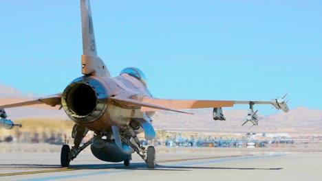 Rückseite-Eines-Jets-Wie-Er-Auf-Dem-Luftwaffenstützpunkt-Nellis-Vor-Der-Roten-Flagge-191-Übungen-2019-Rollt