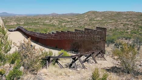 the-Mexican-American-Border-Fence-At-Sasabe-Arizona-2019