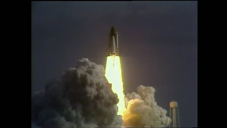 the-Hubble-Space-Telescope-Is-Launched-With-the-Space-Shuttle-Atlantis