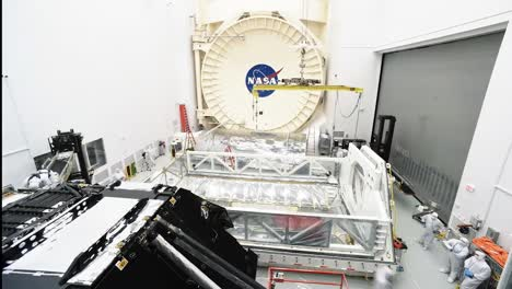 Time-Lapse-Photography-Shows-Engineers-Working-With-the-Webb-Space-Telescope-At-the-Johnson-Space-Center