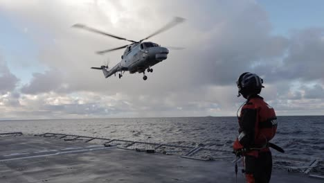 A-Super-Lynx-Helicopter-From-the-Portuguese-Nrp-Corte-Real-Conducted-Landing-Drills-On-the-Norwegian-Frigate-Hnoms-Helge-Ingstad