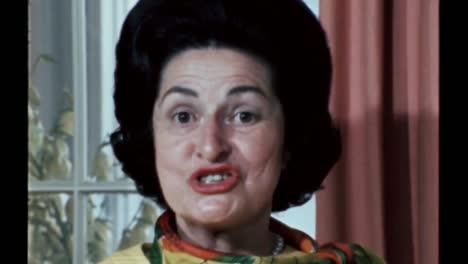 Claudia-Lady-Bird-Johnson-Habla-Sobre-Las-Cosas-Que-Recogió-A-Través-De-Los-Viajes-Que-Están-En-La-Casa-De-Ella-Y-Lyndon-B-Johnson-En-Junio-De-1968