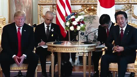 El-Presidente-Trump-Y-El-Primer-Ministro-De-Japón-Shinzo-Abe-Dan-La-Bienvenida-A-Trump-En-Una-Conferencia-De-Prensa-2019