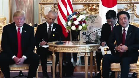 El-Primer-Ministro-De-Japón-Shinzo-Abe-Y-El-Presidente-Trump-Hablan-Con-La-Prensa-Sobre-Su-Próxima-Reunión-Bilateral-2019