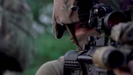 Francotiradores-Participan-En-Un-Ejercicio-De-Entrenamiento-De-Habilidades-De-Salvavidas-De-Combate-Similar-(cls)-En-El-Campamento-Lemonnier-Djbouti
