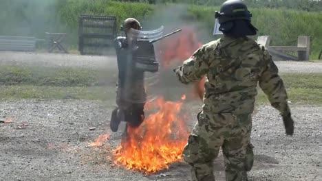 La-OTAN-Llevó-A-La-Fuerza-De-Kosovo-A-Realizar-Técnicas-De-Control-De-Disturbios-Y-Multitudes-Con-Fobia-Al-Fuego-En-El-Campamento-Novo-Selo-Kosova