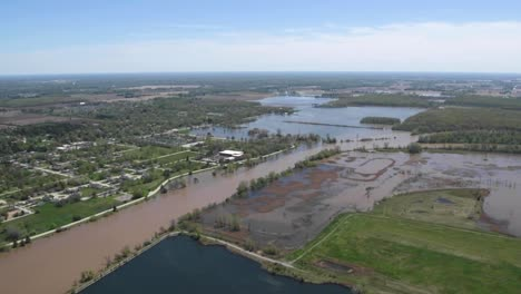 Flooding-Along-the-Tittabawassee-River-Resulting-From-the-Breach-Of-Edenville-And-Sanford-Dams-At-Midland-Michigan
