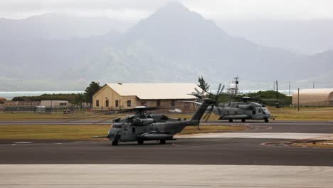 El-Grupo-24-De-Aviones-Marinos-Realiza-Entrenamiento-Militar-Con-Helicópteros-Super-Stallion-Y-Venom-Y-Aviones-Osprey-Hawaii