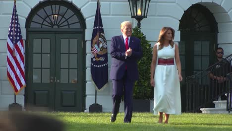 Uspresident-Donald-Trump-And-First-Lady-Melanie-Trump-Greet-the-July-4th-Celebration-At-the-White-House-2
