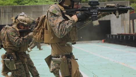 31St-Expeditionary-Reconnaissance-Platoon-Marines-In-Combat-Marksmanship-Training-Camp-Hansen-Okinawa-4