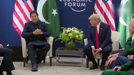 El-Presidente-Estadounidense-Donald-Trump-Y-El-Primer-Ministro-Paquistaní-Imran-Khan-Durante-La-Conferencia-De-Prensa-Del-Foro-Económico-Mundial-1