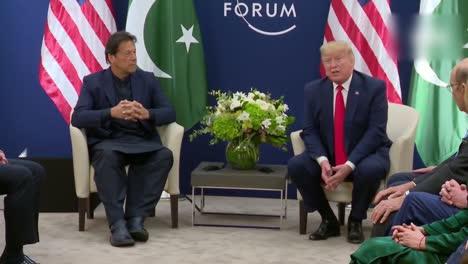US-Präsident-Donald-Trump-Und-Der-Pakistanische-Premierminister-Imran-Khan-Während-Der-Pressekonferenz-Des-Weltwirtschaftsforums-3
