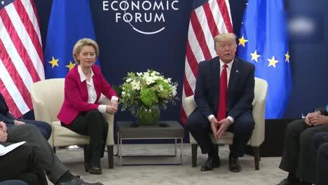 US-Präsident-Donald-Trump-Und-Ursula-Von-Der-Leyen-Präsident-Der-Europäischen-Kommission-World-Economic-Forum-2