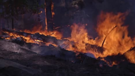 Us-Marines-Help-Fight-Creek-Fire-An-Inferno-Of-Flames-And-Raging-Wildfires-In-the-Sierra-National-Forest-2