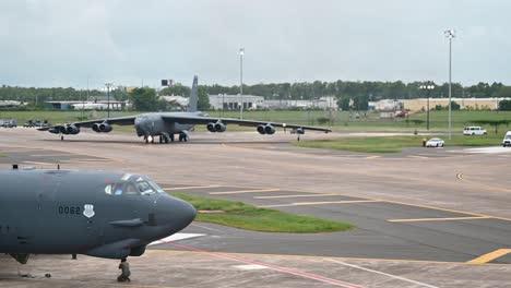 La-Fuerza-Aérea-Estadounidense-B52-Stratofortress-De-La-Segunda-Bomba-Ala-Se-Prepara-Para-El-Despegue-De-La-Base-Aérea-De-Barksdale-En-Luisiana-1