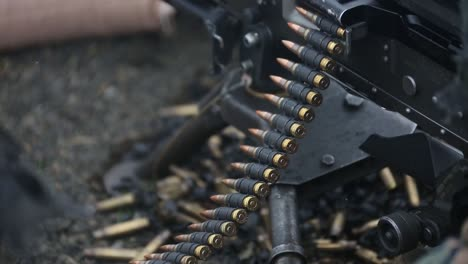 Los-Marines-Estadounidenses-Fuego-Ametralladora-M240-Rango-Ejercicio-De-Entrenamiento-De-Competencia-En-Puntería-En-El-Campamento-De-Fuji-Japón
