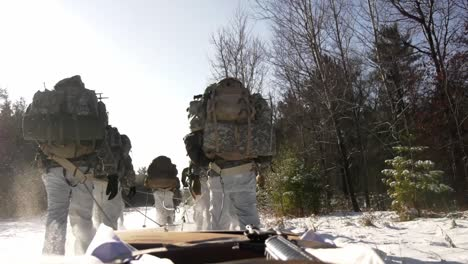 Us-Army-And-Marines-Use-Snowshoes-Ahkio-Sleds-And-Winter-Survival-Gear-Fort-Mccoy-Coldweather-Course-Wi-2