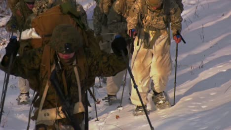 Us-Army-And-Marines-Use-Snowshoes-Ahkio-Sleds-And-Winter-Survival-Gear-Fort-Mccoy-Coldweather-Course-Wi-4