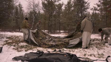 Us-Army-And-Marines-Use-Snowshoes-Ahkio-Sleds-And-Winter-Survival-Gear-Fort-Mccoy-Coldweather-Course-Wi-8