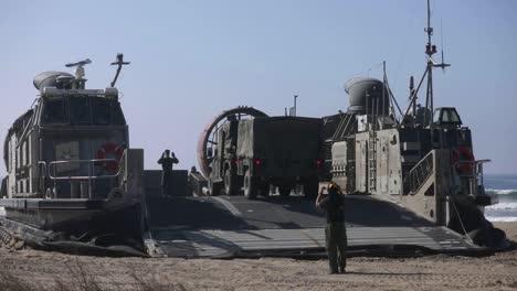 Us-Marines-1st-Combat-Engineer-Battalion-Amphibische-Landungsübung-An-Einem-Strand-Von-Camp-Pendleton-Ca-2