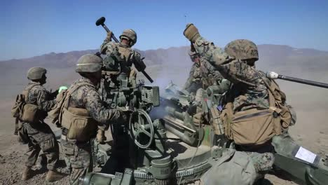 Us-Marines-Direct-Fire-Drill-With-M777-Howitzer-Marine-Corps-Combat-Readiness-Evaluation-Camp-Pendleton-Ca-1