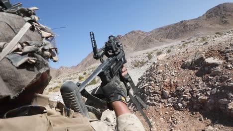 Los-Marines-Estadounidenses-En-El-Desierto-Camuflaje-Rango-De-Conducta-400-Ejercicio-De-Entrenamiento-Integrado-En-Twentynine-Palms-Ca-1-Los-Marines-Estadounidenses-En-El-Desierto-Camuflaje-Rango-De-Conducta-400-Ejercicio-De-Entrenamiento-Integrado-En-Twentynine-Palms-Ca-1