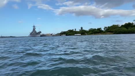 Uss-Arizona-Memorial-Honoring-Soldiers-And-Sailors-Killed-During-Attack-Of-the-Navy-Base-At-Pearl-Harbor-Hawaii