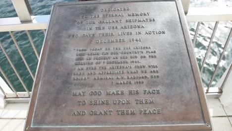 USS-Arizona-Memorial-En-Honor-A-Los-Soldados-Y-Marineros-Muertos-Durante-El-Ataque-De-La-Base-Naval-En-Pearl-Harbor-Hawaii-3