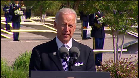 Us-Vice-President-Joe-Biden-Speaks-To-Politician-Military-And-Families-Pentagon-9/11-Observance-Arlington-Va-10