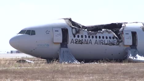 Footage-Of-The-2013-Asiana-Air-Crash-Disaster-In-San-Francisco-Ca-1