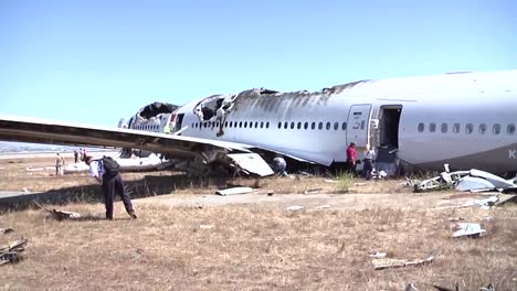 Footage-Of-The-2013-Asiana-Air-Crash-Disaster-In-San-Francisco-Ca-3